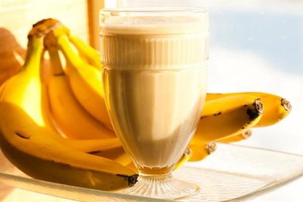 Χυμός γάλα με μπανάνα και μέλι - Δίνει απίστευτη ενέργεια!