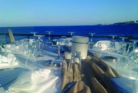 Cavo Seaside Bar & Restaurant