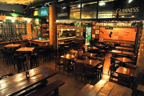 Stand Up Comedy Night: Wanted Dead Or Alive αυτήν την Κυριακή στο Green Rose Beer-Restaurant!