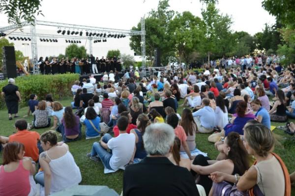 Ξεκινάει το 3ο Διεθνές Φεστιβάλ Ποίησης Αθηνών στον Κήπο του Μεγάρου!
