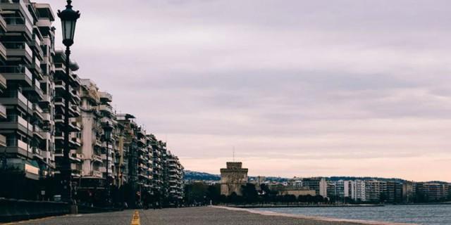 Κλείνει η παραλία της Θεσσαλονίκης μετά τη σημερινή