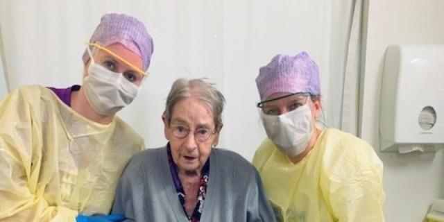 Ευχάριστα νέα: Γυναίκα 101 ετών ανάρρωσε από τον κορωνοϊό!