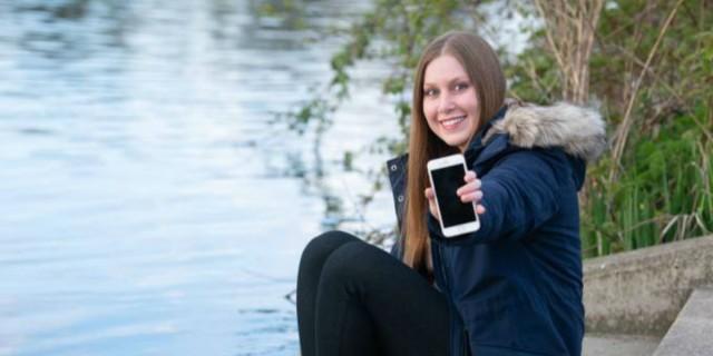 29χρονη έχασε το κινητό της στον Τάμεση και το βρήκε μετά από δύο μήνες - Αυτό που είδε την άφησε άφωνη... (photo)