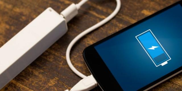 6+1 λάθη που «καταστρέφουν» τη μπαταρία του κινητού σας (Video)