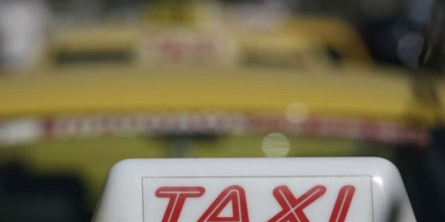 Συναγερμός στην Αθήνα - 55χρονος οδηγός ταξί θετικός στον κορωνοϊό