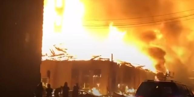 Καίγονται οι ΗΠΑ από τις διαδηλώσεις για την δολοφονία του Τζορτζ Φλόιντ (videos)