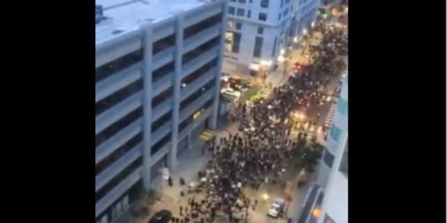 Τζορτζ Φλόιντ: Δυο νεκροί από πυρά στις διαδηλώσεις σε Ντιτρόιτ και Όκλαντ