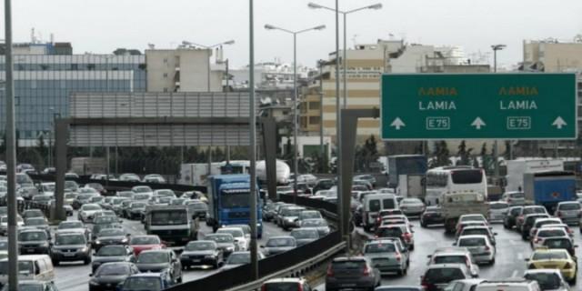 Κίνηση στους δρόμους της Αθήνας - Μποτιλιάρισμα λόγω της κακοκαιρίας
