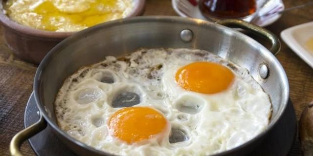 Προσοχή κίνδυνος: Μέχρι πόσα αυγά πρέπει να τρώτε την εβδομάδα