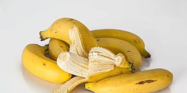 Τρώτε μπανάνες πριν πέσετε για ύπνο; Δείτε τι θα σας συμβεί