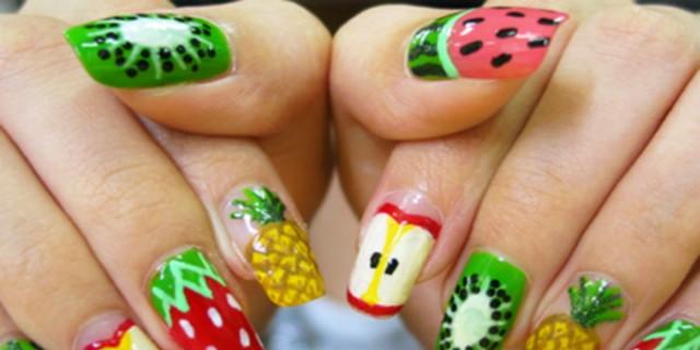 Τα πιο... φρουτένια νύχια που έχουν τρελάνει το Instagram!