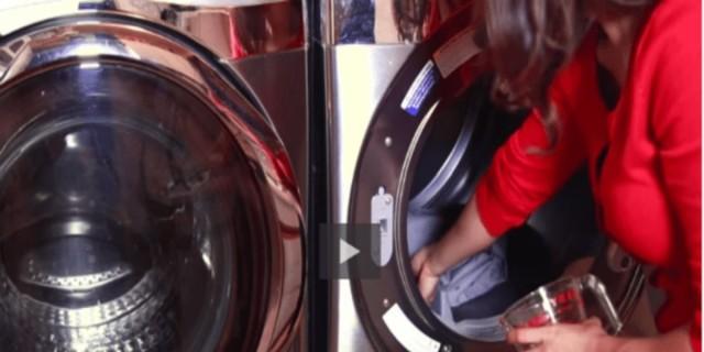 Βάλτε στο πλυντήριο παγάκια - Το κόλπο για να γλιτώσετε από το πρόβλημα της κάθε νοικοκυράς