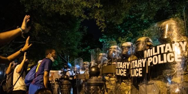 ΗΠΑ: Ακόμη μια ημέρα μεγάλων διαδηλώσεων για τον Τζορτζ Φλόιντ - 7 προσαγωγές στην Ελλάδα για τα επεισόδια