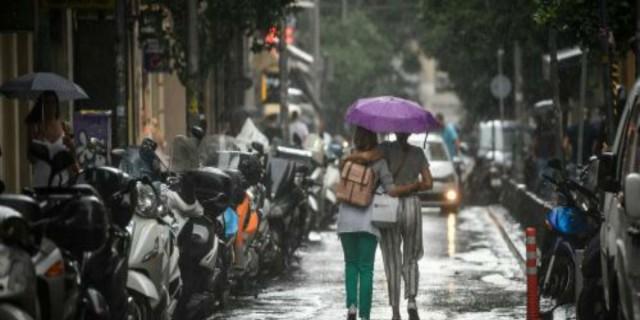 Σκοτσέζικο ντους ο καιρός: Αλλού βροχές κι αλλού... Αύγουστος