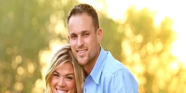 Φαίνεται σαν ένα συνηθισμένο ζευγάρι - Μόλις προσέξετε τη φωτογραφία, θα δακρύσετε...
