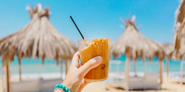 Ανάβυσσος: 4 cafe που θα σε κάνουν να μυρίσεις καλοκαίρι