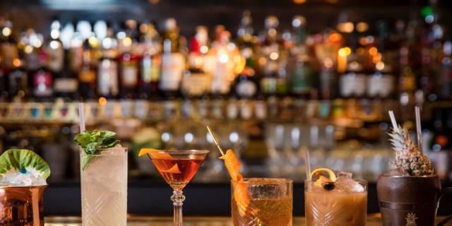 3 ξεχωριστά μπαρ στον Νέο Κόσμο