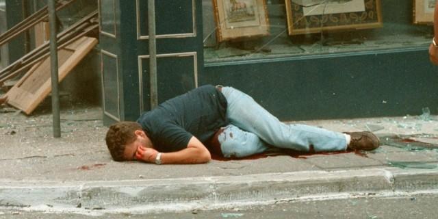 Σαν σήμερα 14 Ιουλίου 1992: Η δολοφονία του Θάνου Αξαρλιάν από τη «17 Νοέμβρη» στο κέντρο της Αθήνας
