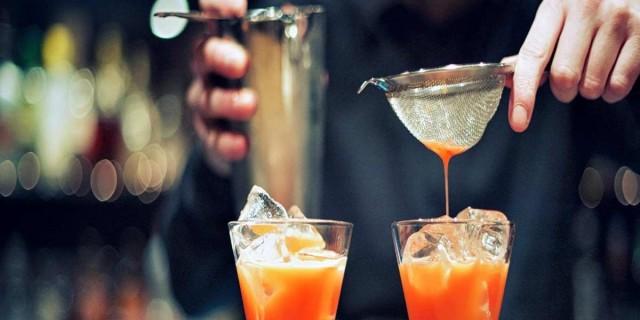 Νυχτοπερπατήματα στον Χολαργό: 7 μπαρ έκπληξη