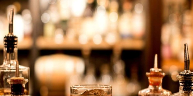 Τα στέκια της Καλλιθέας: 4 ξεχωριστά μπαρ που αξίζουν την προσοχή σου