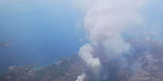 Φωτιά στο Λαύριο: Ξεκινούν έρευνες για εμπρησμό με εντολή Χαρδαλιά