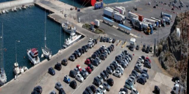 Μηχανική βλάβη σε πλοίο μεταξύ Τήνου και Άνδρου