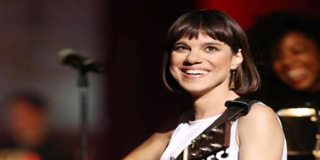 Ανατριχιάζει η τραγουδίστρια Μόνικα: