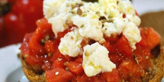 Τρώτε ντομάτες με ελαιόλαδο; Αυτό θα συμβεί στο σώμα σας