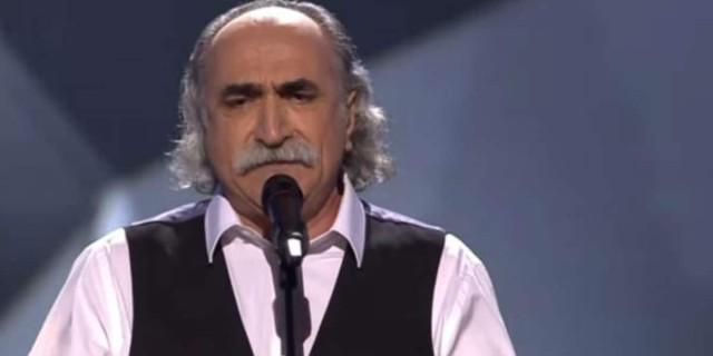 Αγάθωνας Ιακωβίδης: «Ράγισαν» οι πέτρες στο τελευταίο αντίο του μεγάλου ρεμπέτη (Video)