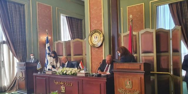 Συμφωνία Ελλάδας-Αιγύπτου: Έπεσαν οι υπογραφές για την ΑΟΖ
