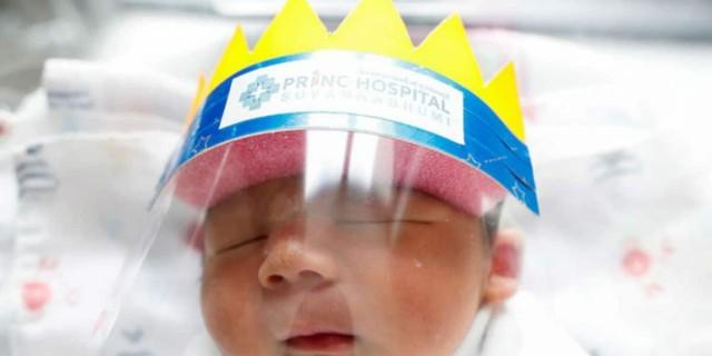 Ζωγράφισαν στην κούνια του μωρού μια κορώνα - Ο λόγος θα σας συγκινήσει!