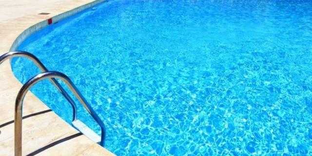Τραγικό: 45χρονος αυτοϊκανοποιείτο σε πισίνα ξενοδοχείου μπροστά σε ανήλικους