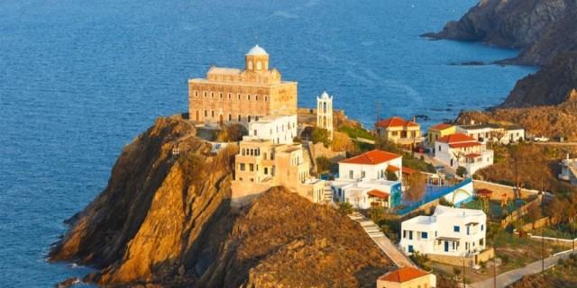 Μαγευτικό: Το υποτιμημένο και υπέροχο νησάκι του Αιγαίου με τις 40 παραλίες