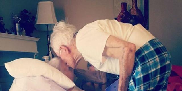 Η γιαγιά πέθανε ένα χρόνο πριν και ο παππούς της ψιθύρισε κάτι στο αφτί - Ένα χρόνο μετά συμβαίνει μια ανατριχιαστική σύμπτωση