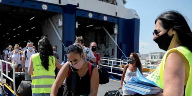Κορωνοϊός: Τεράστια αύξηση των κρουσμάτων - «Εκτοξεύονται» οι διασωληνωμένοι