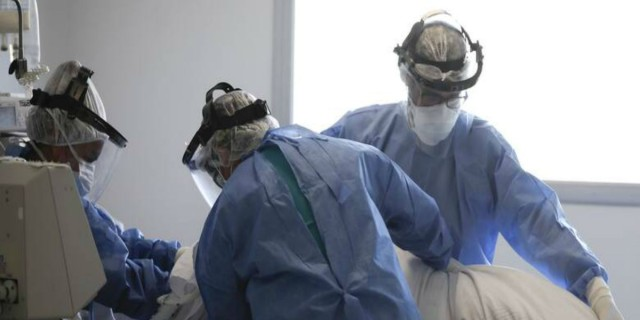 Κορωνοϊός: Κατέληξε 84χρονη - Στους 339 οι νεκροί