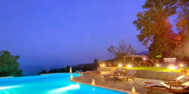 Τάσος Δούσης: Ένας πανέμορφος παραδοσιακός ξενώνας στη Ζαγορά Πηλίου με βαθμολογία 9,6!