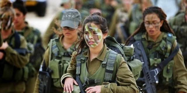 «Βόμβα» στις Ένοπλες Δυνάμεις: Σενάριο για στράτευση των γυναικών
