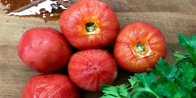 Προσοχή: Μην φάτε ποτέ ξανά τις ντομάτες με τη φλούδα - Κινδυνεύετε από...