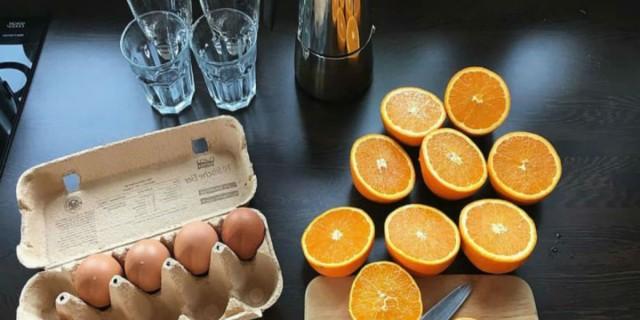 Συνδυάστε τα αυγά σας με χυμό πορτοκάλι και κάντε ένα δώρο στο σώμα σας