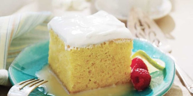 Το πιο εύκολο κέικ... στο άψε σβήσε με ζαχαρούχο γάλα και άλλα 3 υλικά