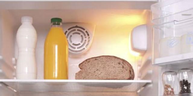 Έβαζε το ψωμί στο ψυγείο για να το κρατά φρέσκο - Μετά απ' αυτό που θα δείτε... δεν θα το ξανακάνετε! (Video)