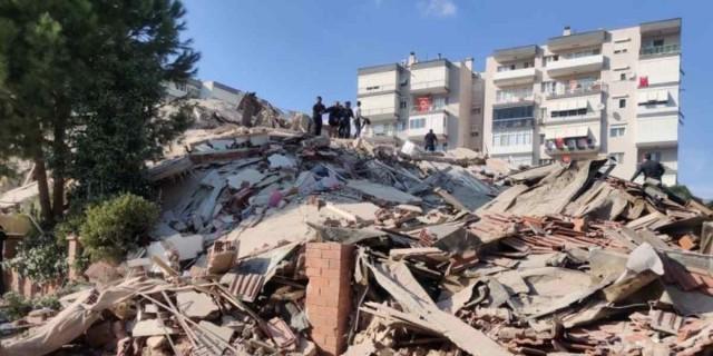 Τουλάχιστον 25 οι νεκροί στην Τουρκία από τον φονικό σεισμό
