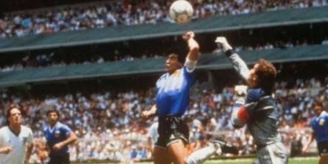 Ντιέγκο Μαραντόνα: «Το χέρι του Θεού» - Η φάση που έμεινε στην παγκόσμια ποδοσφαιρική ιστορία - Οι μαγικές στιγμές του (Video)
