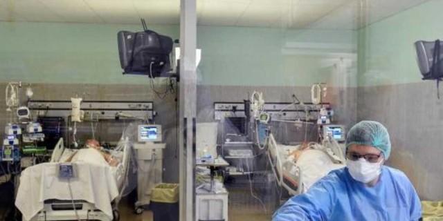 Κορωνοϊός: Ανησυχία με την νέα «έκρηξη» διασωληνωμένων