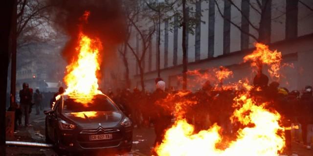Συναγερμός στη Γαλλία: Πεδίο μάχης το Παρίσι - Σοβαρά επεισόδια στους δρόμους