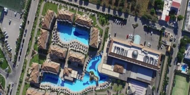 Το χωριό της Ελλάδας που έχει μόνο… ξενοδοχεία – Αγροτικός οικισμός… πολυτελείας!