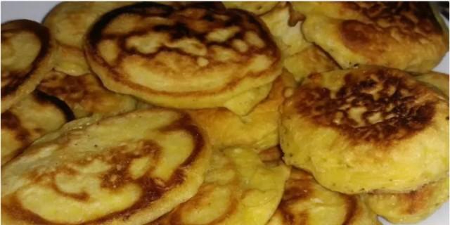 Αφράτες τηγανίτες με φέτα