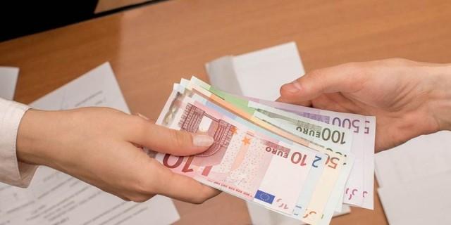Επίδομα 400 ευρώ: Αλλάζουν τα δεδομένα για την οικονομική ενίσχυση σε αυτοαπασχολούμενους επιστήμονες