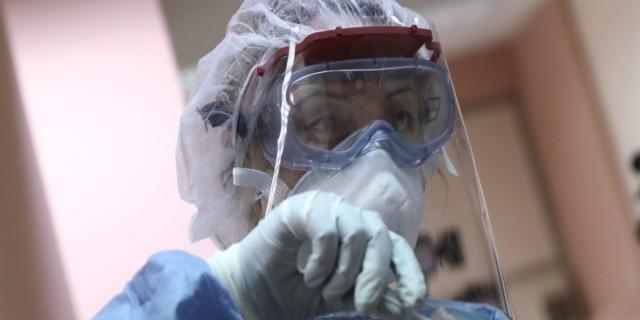 Κορωνοϊός: Σημαντική μείωση στα κρούσματα - Συνεχίζεται η τραγωδία με τους διασωληνωμένους